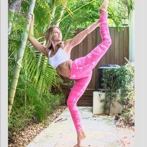 Liquido Om Stars Candy Pink Tie Dye Leggings Small